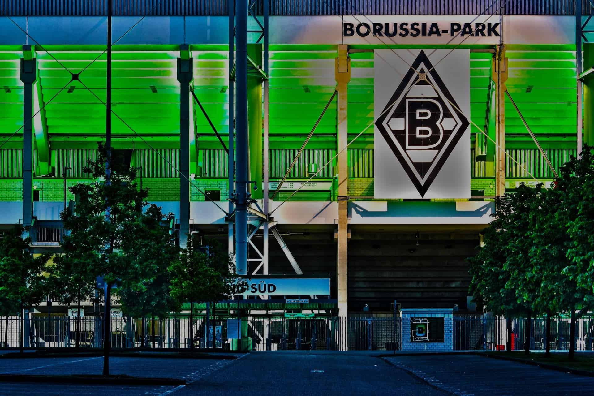 Jünter besucht den Pelikan – Borussia spendet für den Toberaum